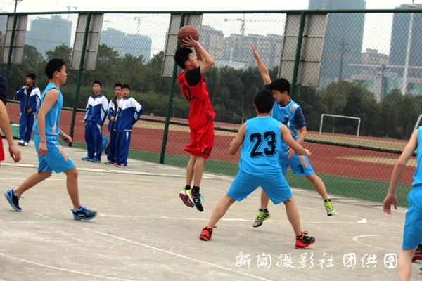 盘点高一篮球赛事:体育精神万岁【图文】